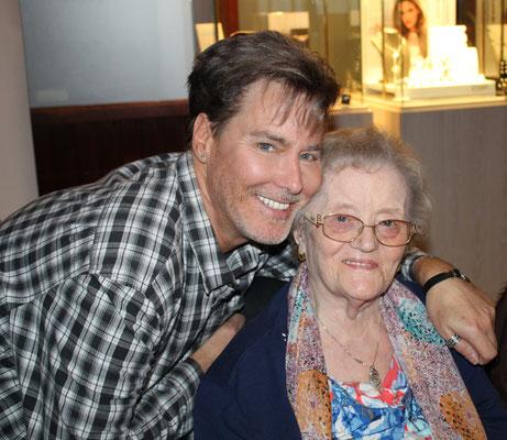 met Moeke Betty , dat ze ruste in vrede