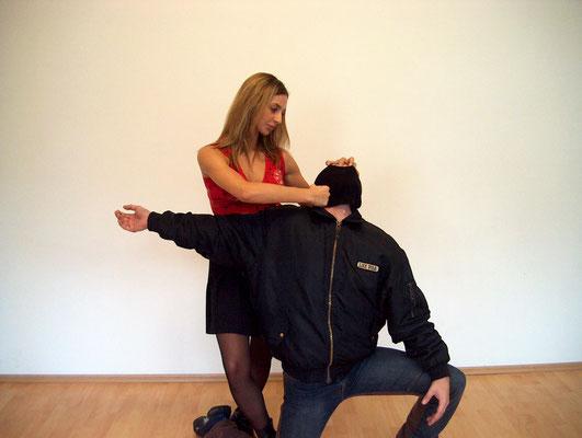 Frauen Selbstverteidigung 2