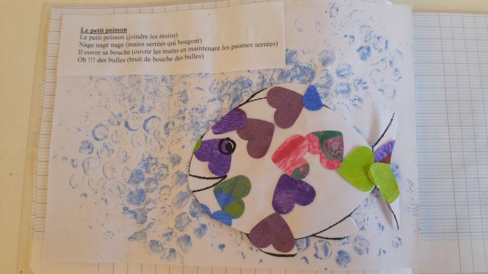 le petit poisson, fond papier bulle et poisson collage coeur