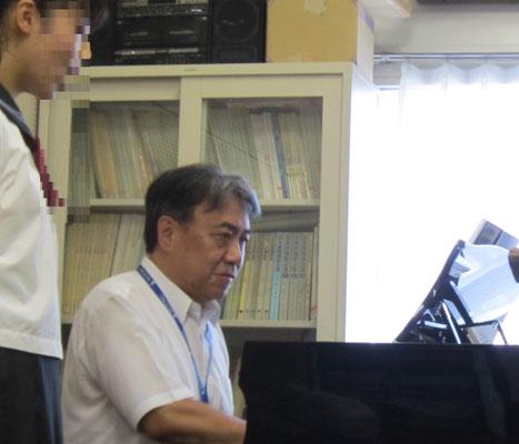 河野正幸先生(声楽)