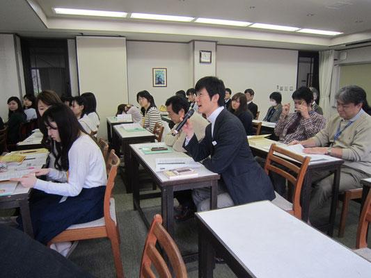 第九のピッコロについて語る北川森央先生。