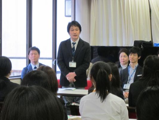器楽コースピアノ専修の鳥井俊之先生。