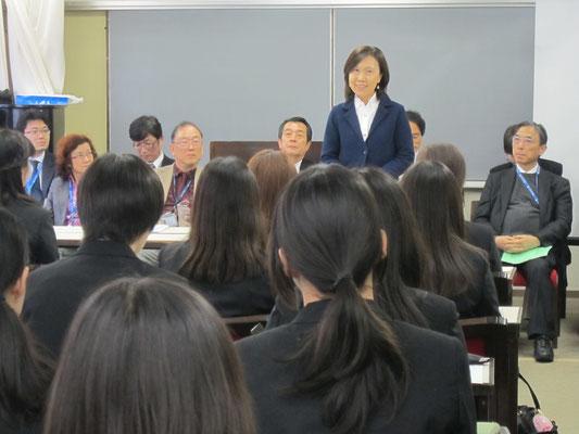 音楽教員養成コース主任の高松晃子先生。
