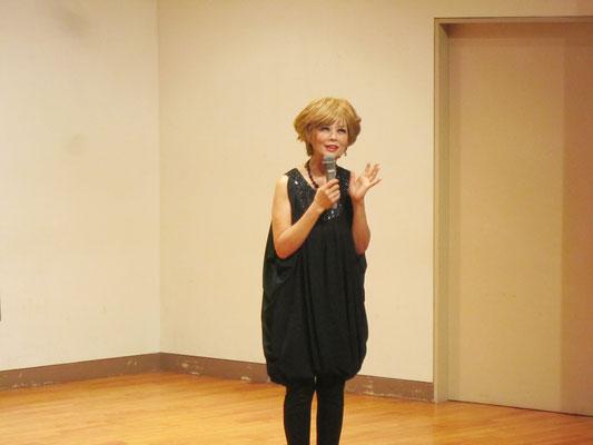 器楽コースピアノ専修の森島英子先生がご案内役でした。
