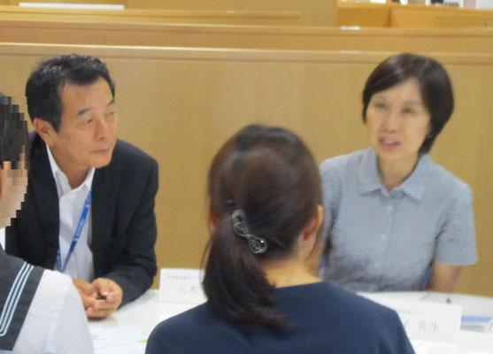 音楽教員養成コースの八木正一先生(左)と高松晃子先生