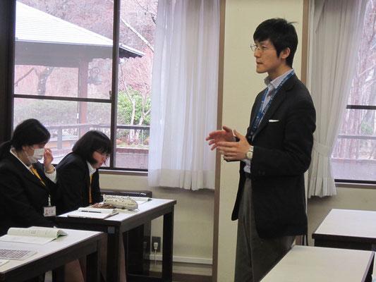 器楽コース弦楽器・管打楽器専修(フルート)の北川森央先生。