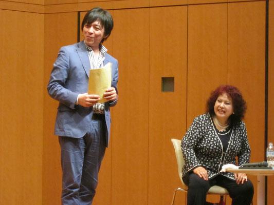 林康子先生と進行役の宮本益光先生。
