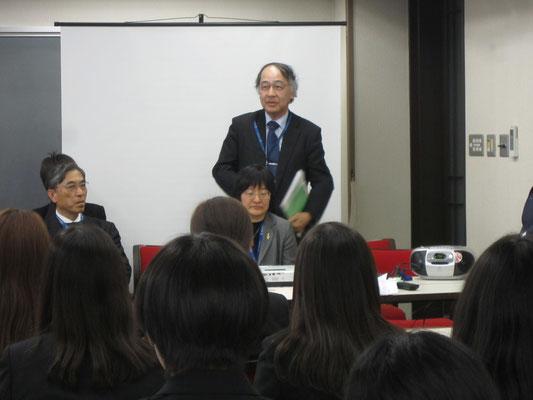 音楽療法コース主任の原沢康明先生。