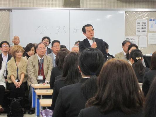 音楽総合学科長の八木正一先生です。
