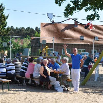 Andrea Weinke-Lau, Verein Groß Laasch Flexibel aktiv bei der Spielplatzeröffnung