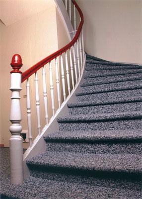 Teppich In Treppenhaus Aldega Fachmanner Fur Wand Und Bodenbelage