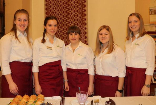 v.l.n.r.: Anja Berger, Selina Anhammer, Viktoria Kozel, Lena Bayer, Lisa Egger