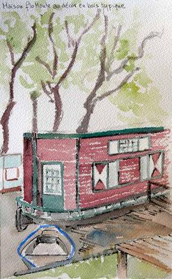 Maison flottante au décor typique en boiserie