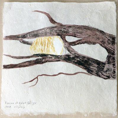 Racine et galet IV - 2018 - gravure sur bois et estampage sur papier Lokta 25 x 25 cm