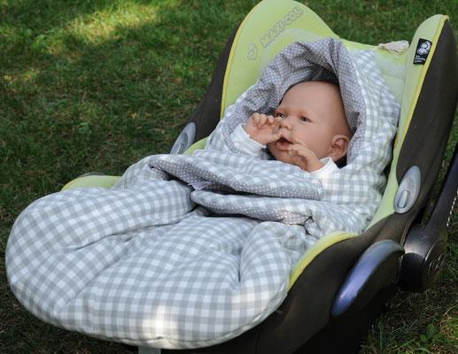 Kuschelsack für Babyschale
