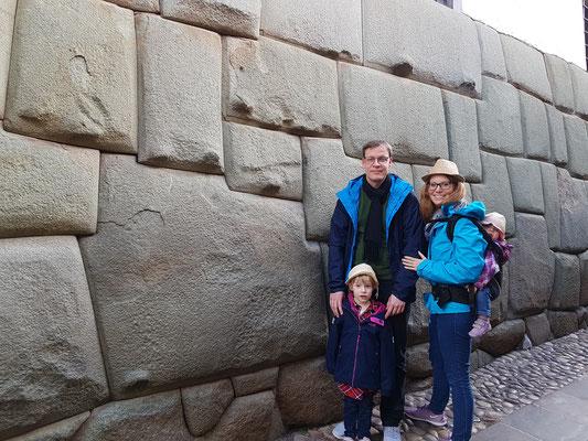 12eckiger Stein in Cusco