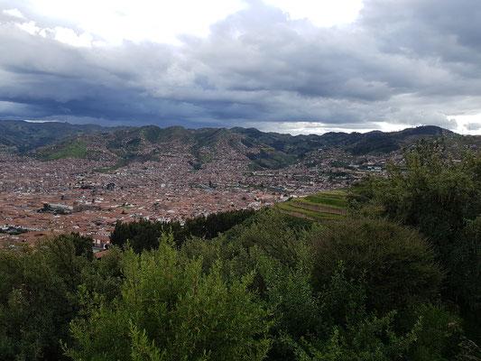 Blick vom Cristo Blanco auf Cusco