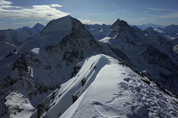 Eigergipfel mit Mönch und Jungfrau