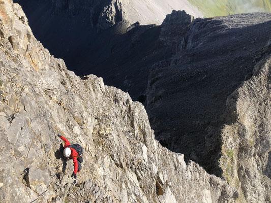 Im Aufstieg Richtung Hindere Loner, unterhalb von Pt. 2663. In der Bildmitte oben sieht man die Bunderchrinde.
