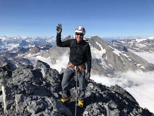 Mit 70jährig auf dem Gipfel des Doldenhorns - und das in einer Begehungszeit, die sich sehen lassen kann.