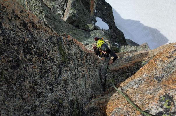 Letzte Meter auf die Aiguille Javelle über die W-Seite. Prächtige, nicht einfache Kletterei.