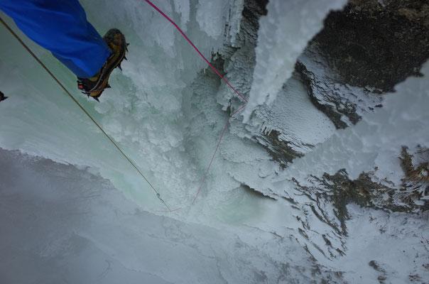 Der Grundsatz, in Säulen keine Eisschrauben zu setzen, führt hier zu weiten Run-Outs.