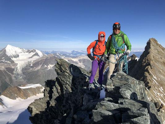 Steffi und Peter auf der Lenzspitze. (Foto: Andrea)