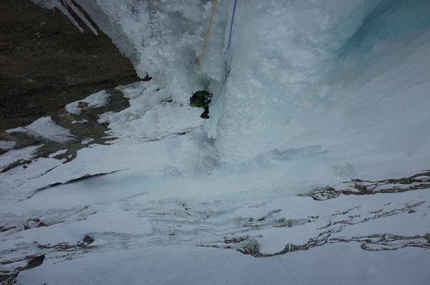 Schöne, steile Eiskletterei