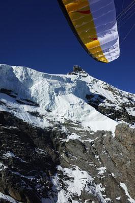 Die eindrücklichen Abbrüche nordseitig vom Jungfraujoch.