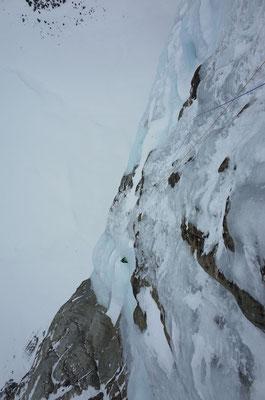 Grosse Kulisse und viele Tonnen Eis ob den Schlüssellängen