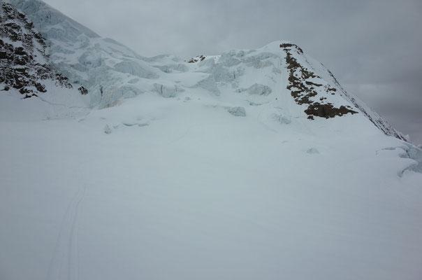 Steile, enge Passage am Chly Silberhorn, nach einem 30m Abseiler.