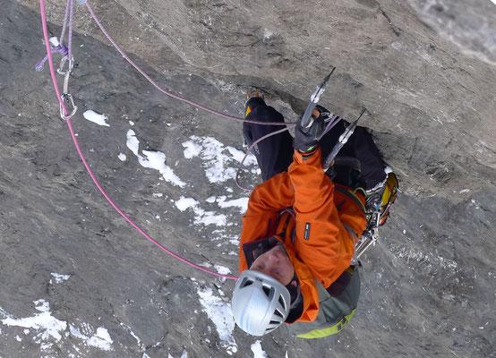 Technisch interessante Kletterei an teils feinen Hooks