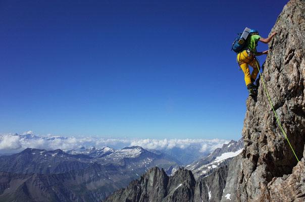 Fotogene Kletterstelle auf dem unteren Teil des Innominata-Grats