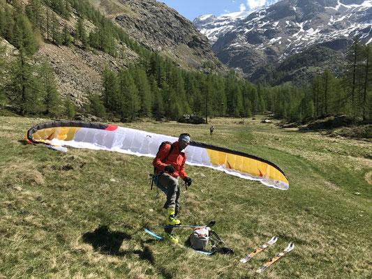 Zurück im Frühsommer nach der Landung mit Skis (Bild: Rolf Z.)