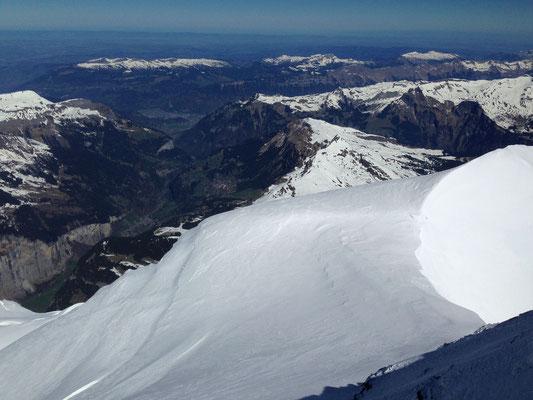 Blick vom Gipfel Richtung Flachland