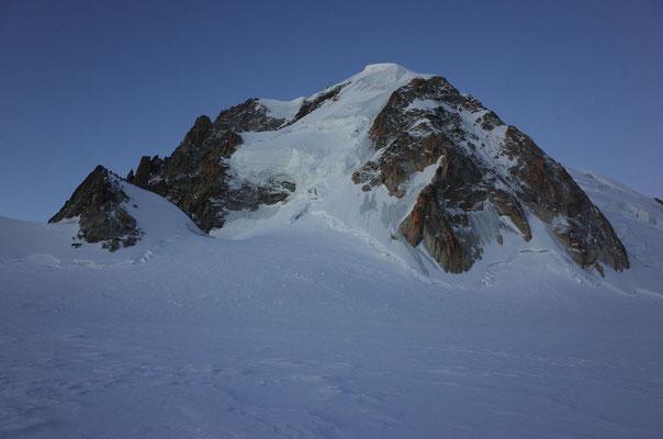 Mont Blanc du Tacul N-Wand, das Ziel für den nächsten Tag.