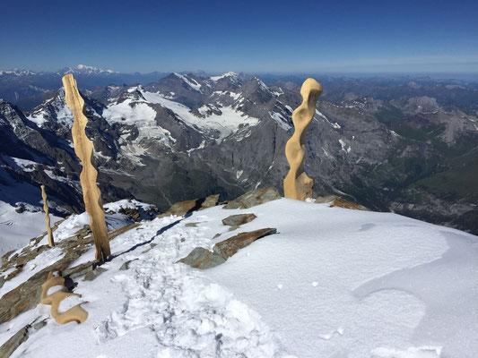 6.7.: Die Gipfelskulpturen auf dem Jungfraugipfel sind offenbar nicht blitzkompatibel.