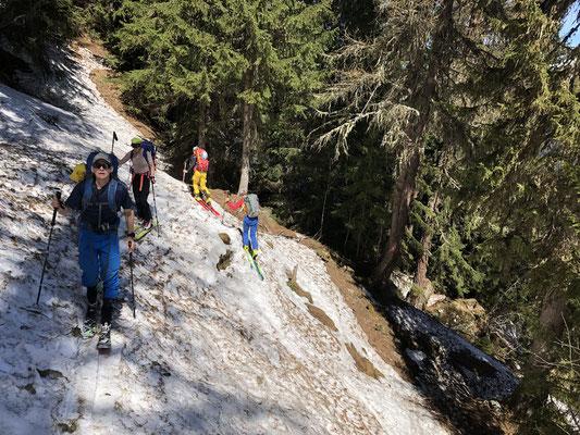 23.05.19: Vom Frühsommer in den Winter - Zustieg Panossierehütte ab Mayen du Revers.