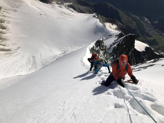Kurz unter dem Gipfel der Lenzspitze. Die Bedingungen in der Nordwand wären auch gut gewesen.