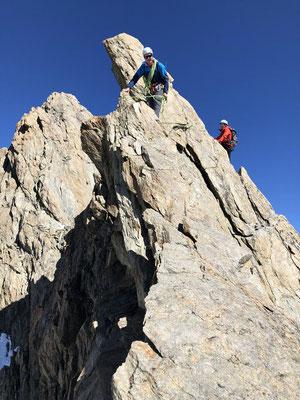 Der Lauteraargrat zieht sich, bietet jedoch Kletterei vom Feinsten.
