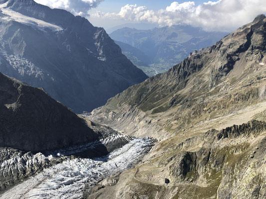 Konsequent: Nach dem Verzicht auf den langen Fusszustieg zur Schreckhornhütte verzichteten Torsten und Peter auch auf den langen Fussabstieg zurück nach Grindelwald.