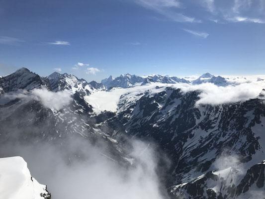 Blick auf die hohen Berner