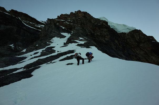 Mike beim Spuren im weichen Schnee auf gut 3500m.