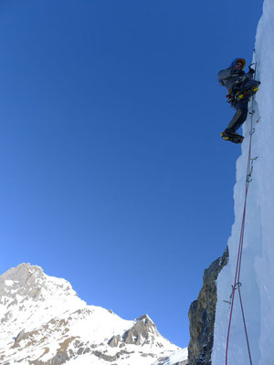 Cédric auf den letzten steilen Metern, bevor die Route abflacht.