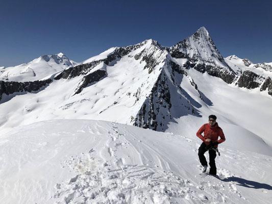 Wyssnollen Gipfel, ein prächtiger Aussichtsberg.