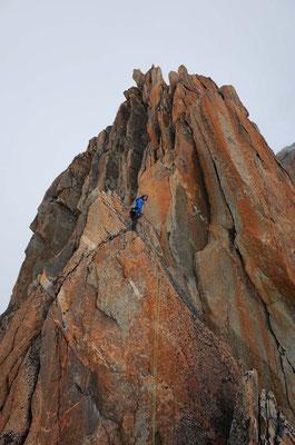 """Nicht ganz einfaches Abseilen, der griffige Fels hat viele """"rope-catchers"""""""