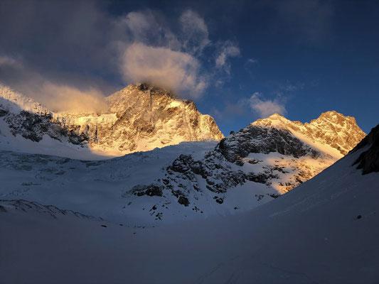 3. Tag: Nicht Patagonien, sondern das Finsteraarhorn von seiner finsteren Seite.