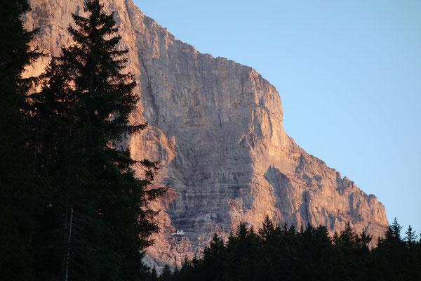 Blick zurück zur Route, markant am Grat der Pilz (Foto: B. Rathmayr)