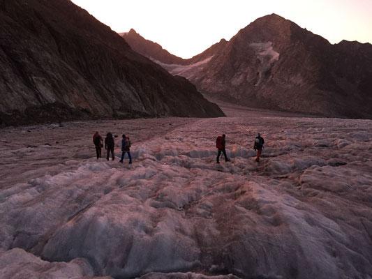 Magischer Morgen auf dem blanken Gletscher in der Nähe vom Rotloch.