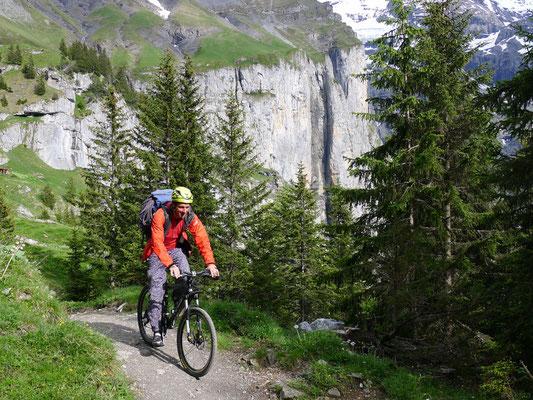 Schneller Abstieg mit dem Bike